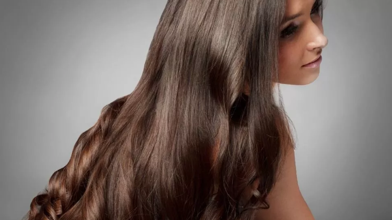 Девушка красивые волосы